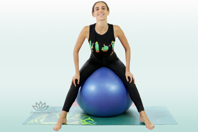 seated pelvic circles on yoga Ball